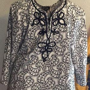 Black and White blouse. NWT. SizeXL